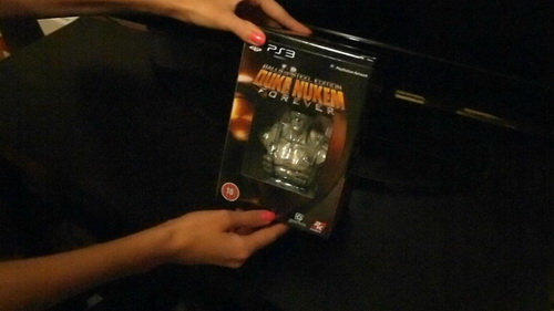 Пародия на распаковку Duke Nukem Forever Balls of Steel Edition